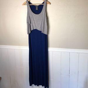 Women's maxi dress Size M blue gray stripe long